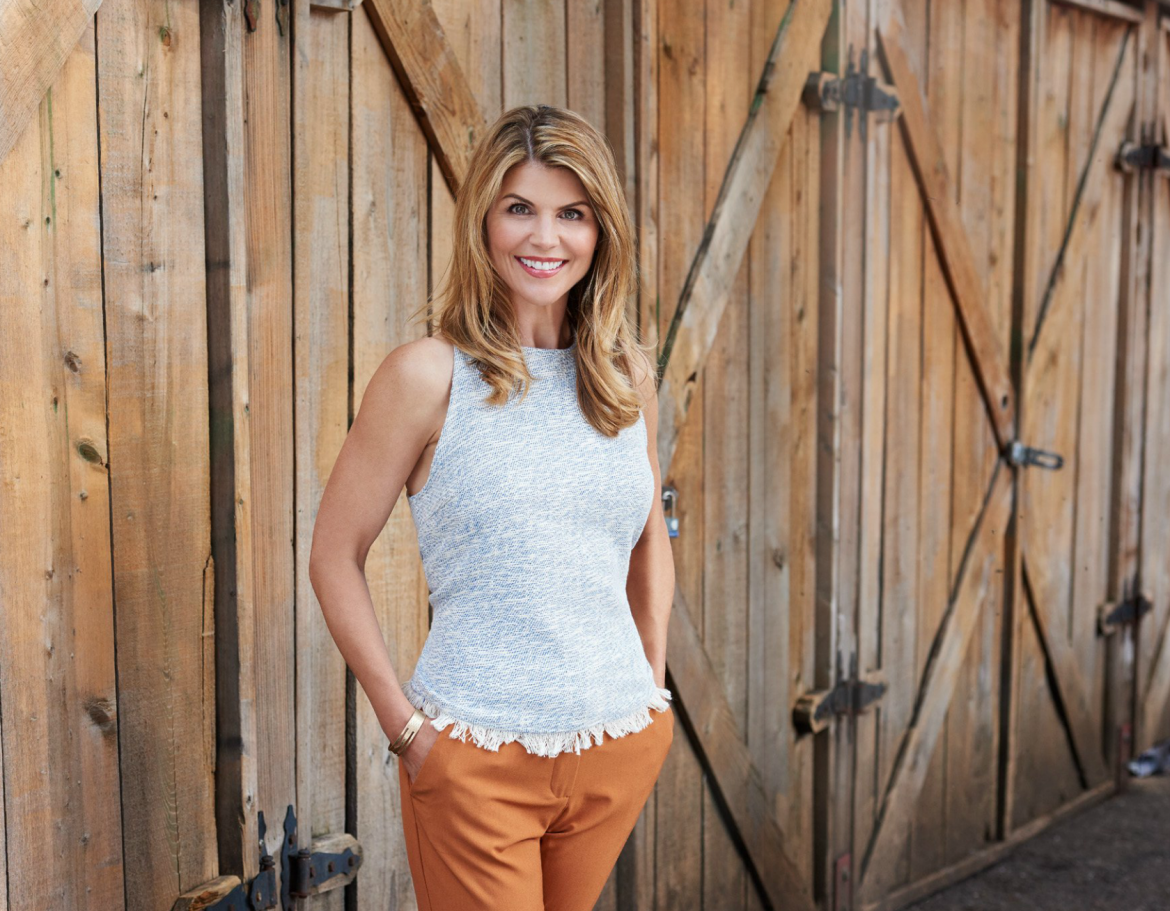 Lori Loughlin Proves With Fuller House You Can Go Home Again
