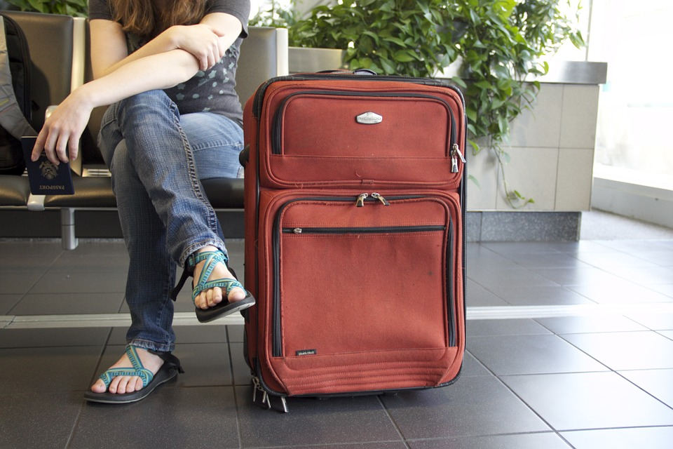 Traveling Light? What To Include In Carry On Luggage - BELLA New ...